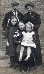 Great Grandfather Thomas Havill and family